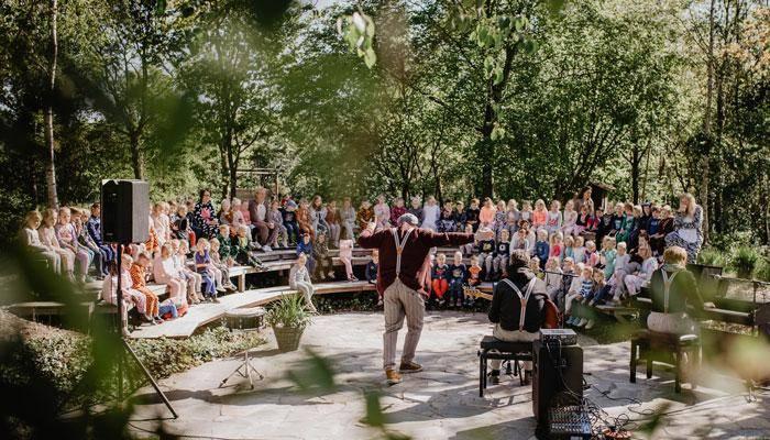 De Tuinkamer met openlucht theater is te huur voor groepen